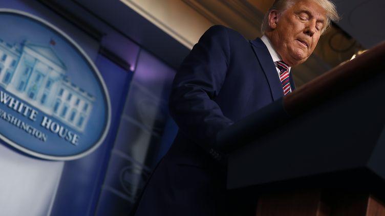 Le président américain Donald Trump, le 5 novembre 2020 à la Maison Blanche. (CHIP SOMODEVILLA / GETTY IMAGES NORTH AMERICA / AFP)