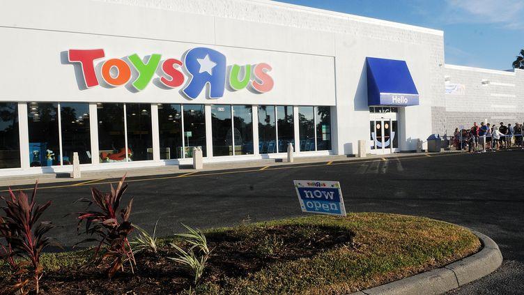 Un magasinToys'R' Us à Brandon en Floride (Etats-Unis), le 29 octobre 2016. (GERARDO MORA / GETTY IMAGES NORTH AMERICA / AFP)