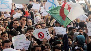 Une manifestant d'étudiants à Alger le 26 février contre la candidature du président Bouteflika à un cinquième mandat. (?ADEL SHEREI/WOSTOK PRESS / MAXPPP)