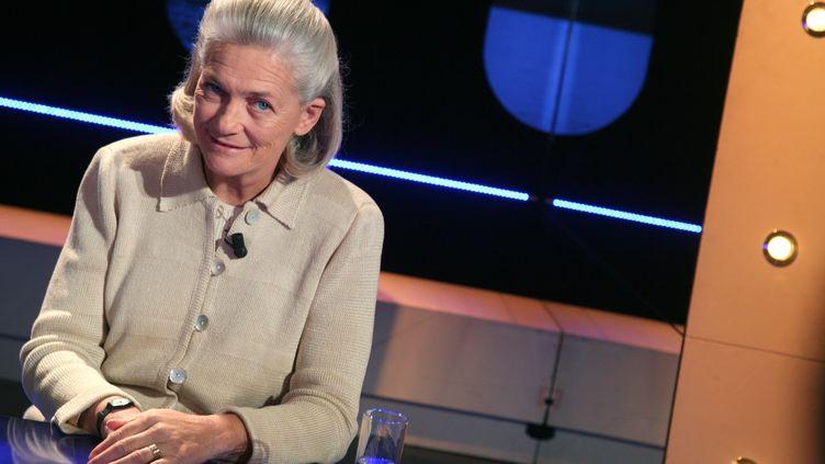 """La philosophe Elisabeth Badinter, le 26 mars 2008 à Paris, sur le plateau de l'émission """"Vol de nuit"""", diffusée sur TF1. (LOIC VENANCE / AFP)"""