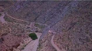 En Argentine, la Quebrada de Humahuaca est une montagne, aux couleurs de l'arc-en-ciel. (FRANCE 2)