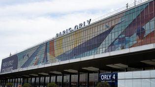 Le terminal 4 de l'aéroport d'Orly, en région parisienne, le 16 février 2021. (SANDRINE MARTY / HANS LUCAS / AFP)