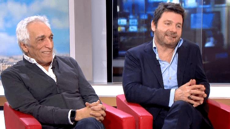 """Gérard Darmon et Philippe Lellouche invités sur le plateau de France 2 pour la pièce """"Tout à refaire""""  (France 2 / Culturebox)"""