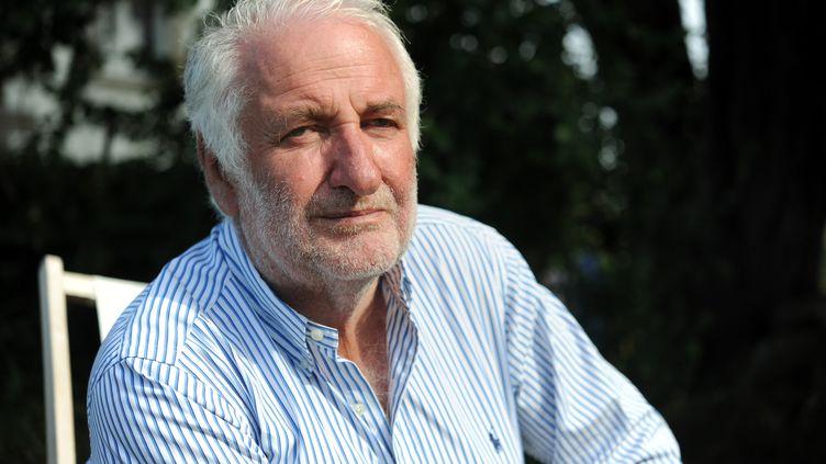 Loïk Le Foch-Prigent, ancien PDG d'Elf, le 20 août 2012 dans sa maison à Trebeuden (Côtes d'Armor). (FRED TANNEAU / AFP)