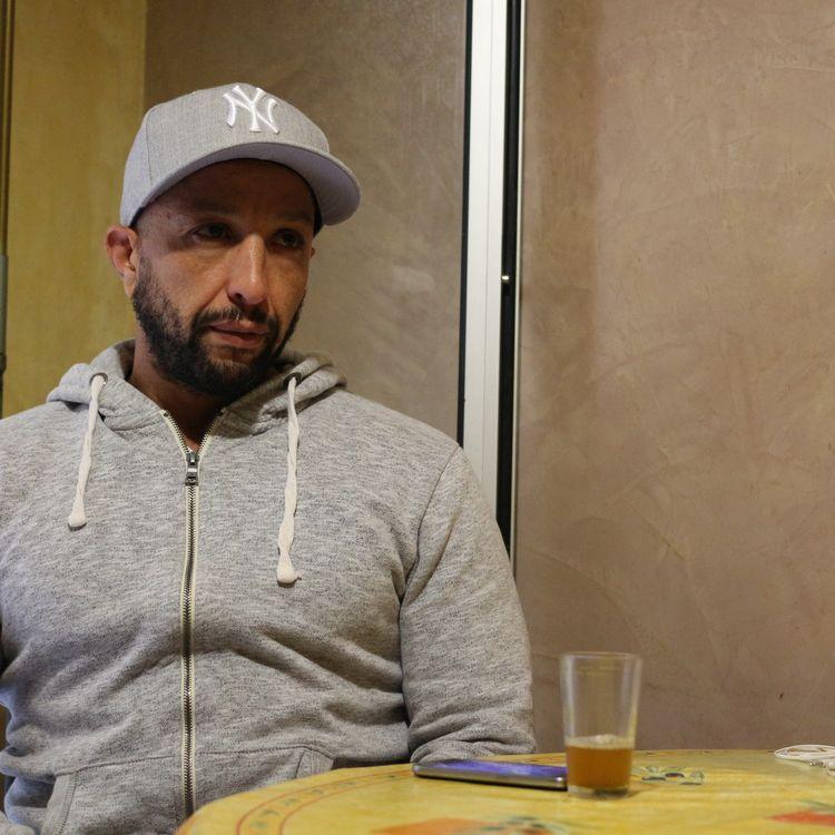 Ali Charrihi, le fils aîné de Fatima Charrihi, la première victime de l'attentat de Nice, le 13 octobre 2016. (BENOIT ZAGDOUN / FRANCEINFO)