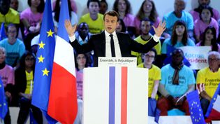 Le nouveau président de la République, Emmanuel Macron, le 1er mai 2017 à Paris. (ALFONSO JIMENEZ / SHUTTER / SIPA)
