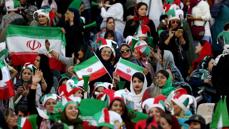 Les Iraniennes assistent à un match Iran-Cambodige à Téhéran, le 10 octobre 2019. (WANA NEWS AGENCY / REUTERS)