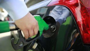 Le prix actuel de l'essence met en rogne certains automobilistes. (BENJAMIN CREMEL / AFP)