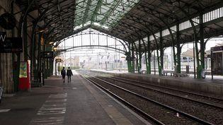 La gare de Perpignan (Pyrénées-Orientales), presque totalement vide, lors d'une journée de grève, le 8 avril 2018. (RAYMOND ROIG / AFP)