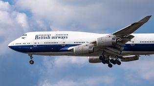 Un Boeing 747 de la compagnie British Airways,laquelle a annoncé le 17 juillet 2020 le retrait de sa flotte de ce modèle. (NICOLAS ECONOMOU / NURPHOTO / AFP)