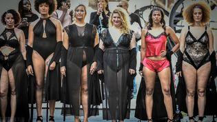 Des mannequins lors du défilé Body positive organisé par Georgia Stein à Paris, le 15 septembre 2019 (STEPHANE DE SAKUTIN / AFP)