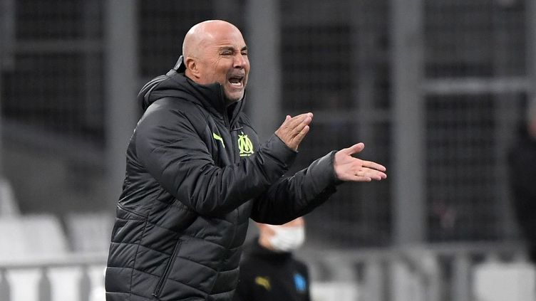 Jorge Sampaoli, l'entraîneur argentin de l'OM, lors de la victoire contre Rennes (1-0) le 10 mars 2021 en Ligue 1 au Stade Vélodrome. (NICOLAS TUCAT / AFP)