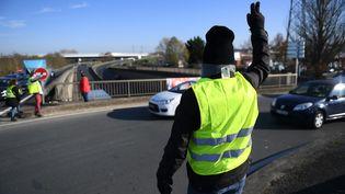 """Manifestation des """"gilets jaunes"""" à Angers le 19 novembre 2018. (JOSSELIN CLAIR / MAXPPP)"""