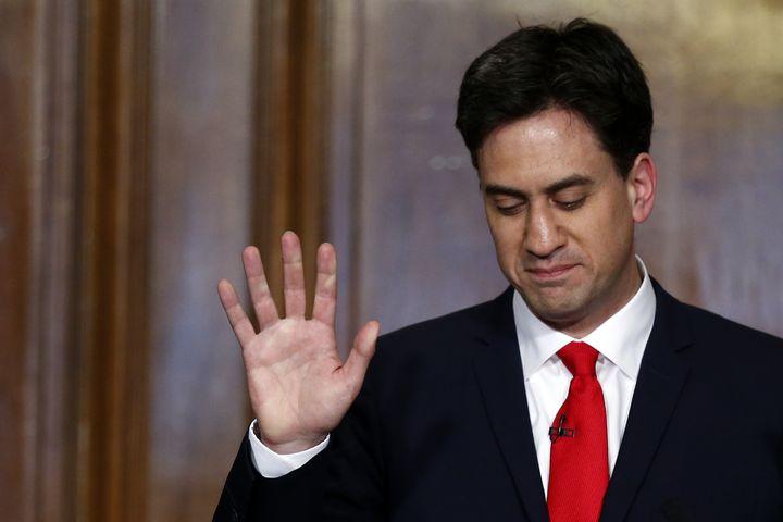 Ed Miliband, le leader des travaillistes, donne une conférence de presse à Londres (Roayume-Uni), le 8 mai 2015. (JUSTIN TALLIS / AFP)