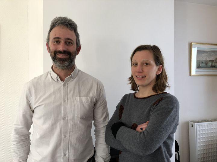Samuel et Tiphaine Bernard, le 22 janvier 2019 à Guidel (Morbihan). (VIOLAINE JAUSSENT / FRANCEINFO)