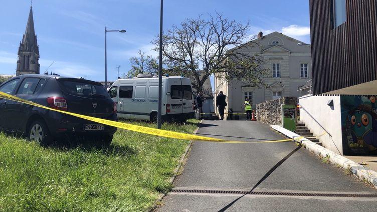 La Chapelle-sur-Erdre a été bouclée plusieurs heures après l'agression d'une policière municipale par un homme qui l'a poignardée. (ANNE HELENE DORISON / MAXPPP)