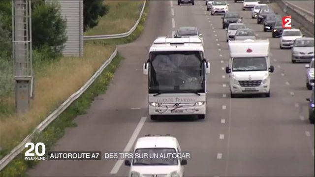A7: un car de touristes tchèques pris pour cible par un tireur
