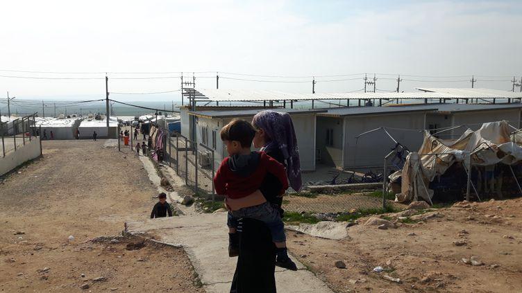 Le camp de Zakho, au nord-ouest du Kurdistan, où vit aujourd'hui Noura et ses trois enfants, délivrés de Daech parle bureau de sauvetage des otages yézidis. (ALICE SERRANO / RADIO FRANCE)