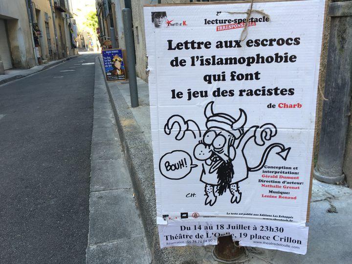 Affichette pour la pièce inspirée d'un texte de Charb à Avignon.  (Sophie Jouve / Culturebox)