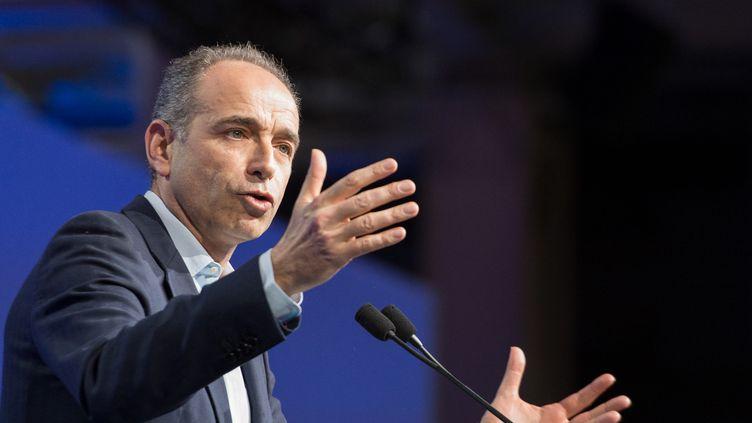 Jean-François Copé, le 13 février 2016, lors de son discours au conseil national des Républicains à Paris. (CITIZENSIDE/SERGE TENANI / CITIZENSIDE.COM/ AFP)