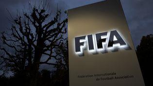 L'entrée du siège de la Fifa à Zurich (Suisse), le 8 octobre 2015. (FABRICE COFFRINI / AFP)