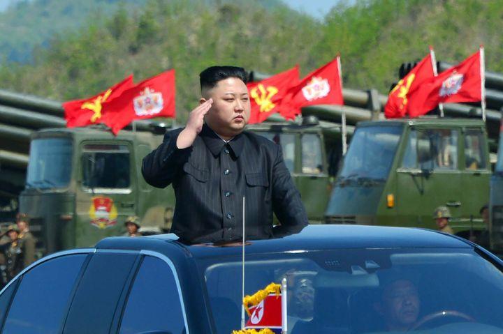 Kim Jong-Un, le 26 avril 2017 à Pyongyang (Corée-du-Nord). (KCNA VIA KNS / AFP)