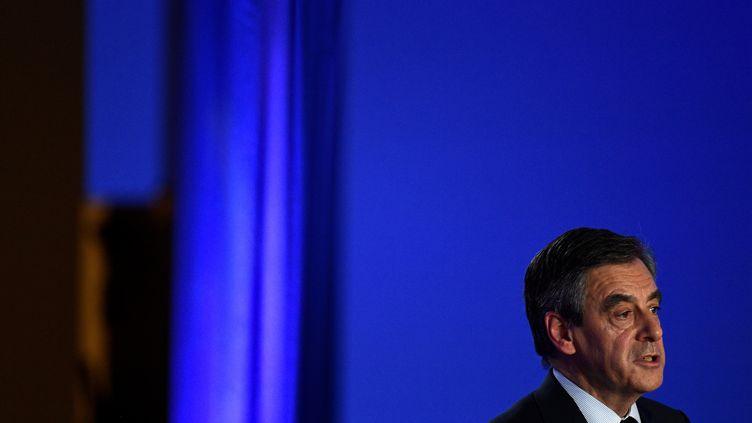 François Fillon, le 6 février 2017 lors de la conférence de presse organisée à son siège de campagne organisé à Paris. (MARTIN BUREAU / AFP)