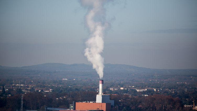 Vue sur une usine d'incinération d'ordures ménagères sur les hauteurs de Toulouse, en 2020. (FREDERIC SCHEIBER / HANS LUCAS)