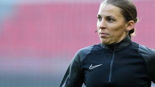 Stéphanie Frappart devient la première femme sélectionnée pour arbitrer un Euro masculin. (JEAN-FRANCOIS MONIER / AFP)