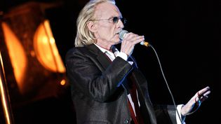 Le chanteur Christopheest mort dans la nuit du jeudi 16 au vendredi 17 avril, à l'âge de 74 ans, des suites d'un emphysème, une maladie pulmonaire. (BERTRAND GUAY / AFP)