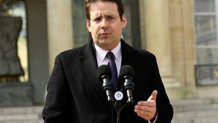L'ancien ministre de l'Intérieur Matthias Fekl devant l'Elysée, le 5 avril 2017. (BERTRAND GUAY / AFP)