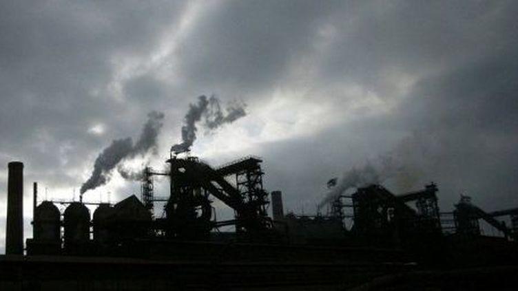 Image d'Epinal de l'économie ukrainienne : une usine sidérurgique fumante. Mais l'Ukraine dispose d'autres atouts que le charbon et l'acier. (ALEXANDER KHUDOTEPLY / AFP)