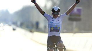 La Néerlandaise et championne d'Europe en titre, Annemiek van Vleuten, le 4 avril 2021. (DAVID PINTENS / BELGA MAG / AFP)