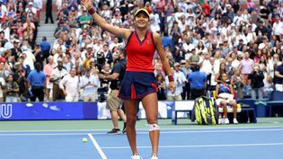 Emma Raducanu s'est imposée en finale de l'US Open 2021 face à Leylah Fernandez (6-4, 6-3). (ELSA / GETTY IMAGES NORTH AMERICA)