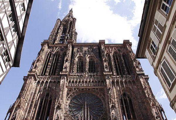 La cathédrale de Strasbourg, joyau de l'art gothique  (KLAUS NOWOTTNICK / DPA / DPA PICTURE-ALLIANCE/AFP)