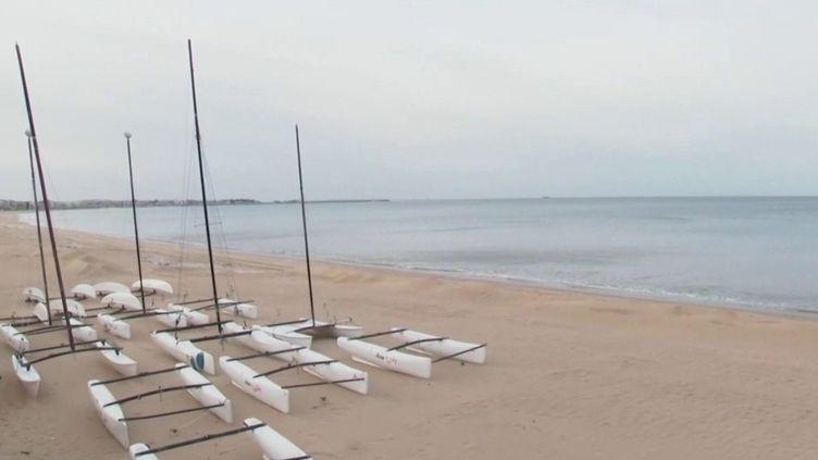 Déconfinement : quatre communes de Loire-Atlantique demandent l'autorisation de rouvrir leurs plages (FRANCE 2)