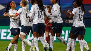 Les Françaises (ici le 9 avril 2021 à Caen contre l'Angleterre) ont rendez-vous avec l'Allemagne, deuxième au classement Fifa. (SAMEER AL-DOUMY / AFP)