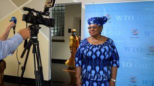 L'ancienne ministre nigériane des Affaires étrangères et des Finances Ngozi Okonjo-Iweala, après son audition devant les représentants des 164 Etats membres de l'Organisation mondiale du commerce, à Genève, le 15 juillet 2020. (Fabrice COFFRINI / AFP)