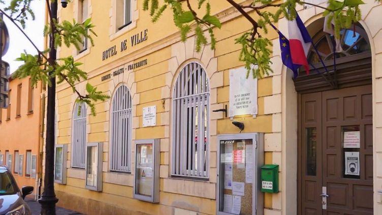 La mairie deTrinité, dans les Alpes-Maritimes. (CAPTURE ECRAN FRANCE 2)