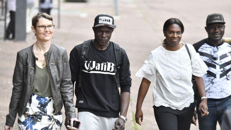 Mamoudou Gassama arrive à la préfecture de Seine-Saint-Denis, à Bobigny, le 29 mai 2018. (GERARD JULIEN / AFP)