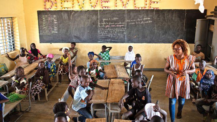 Une école primaire au Burkina Faso (UNICEF/UN0329274/BINDRA)