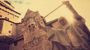 Phto : figurine de Gandalf devant le château  (France 3 / culturebox / capture d'écran)