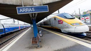 Un homme a été arrêté en gare d'Arras (Pas-de-Calais), vendredi 21 août 2015, après des coups de feu à bord d'un train Thalys. (MAXPPP)