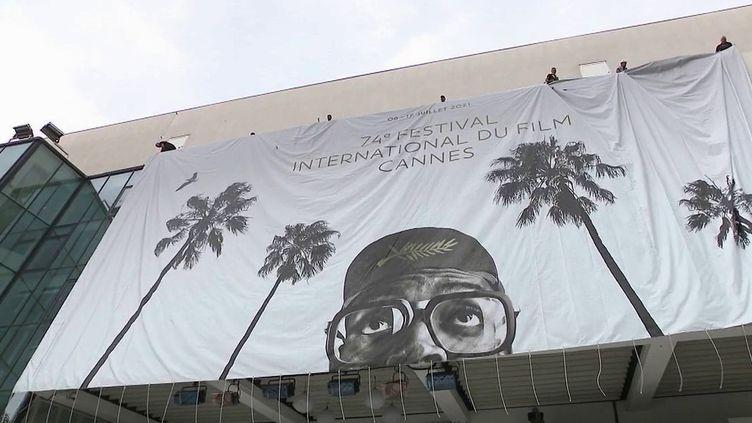 Festival de Cannes : la Croisette revit après une édition annulée en 2020 (FRANCE 2)