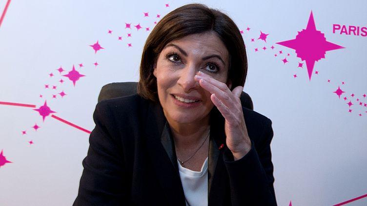 La maire élue de Paris Anne Hidalgo après l'annonce des résultats, dimanche 30 mars, dans son quartier général à Paris. (JOEL SAGET / AFP)