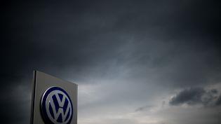Une class action a déjà été déposée contre Volkswagen dans une vingtaine d'Etats américains, le 22 septembre 2015. (JULIAN STRATENSCHULTE / DPA / AFP)
