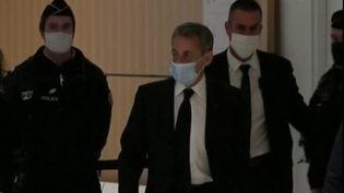 Procès des écoutes: Nicolas Sarkozy à la barre du tribunal de Paris (FRANCE 2)