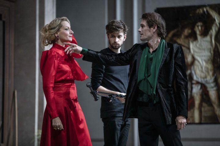 """Elsa Lepoivre (La Duchesse de Guermantes)et Loïc Corbery ((Swann) dans """"Le Côté de Guermantes"""" (Jean-François Fernandez)"""