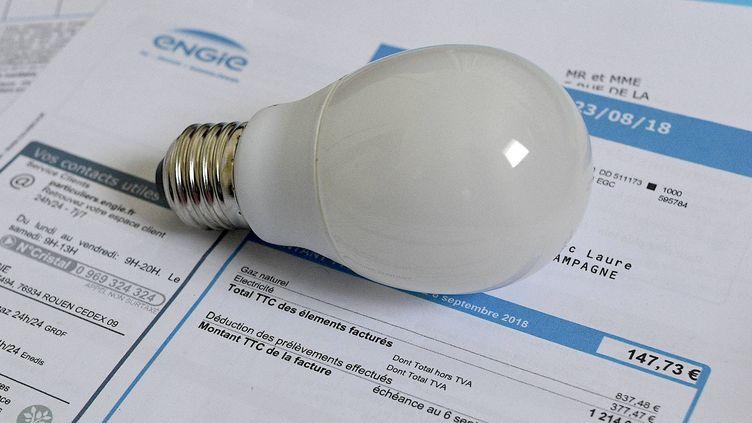 Une facture d'électricité à Rennes (Ile-et-Vilaine), le 26 décembre 2018. (MAXPPP)