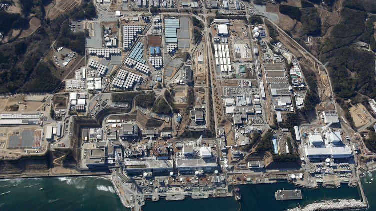 Vue aérienne de la centrale nucléaire de Fukushima (Japon), ravagée par un séisme et un tsunami en 2011. La photographie a été prise le 11 mars 2013. (KYODO NEWS / AP / SIPA)